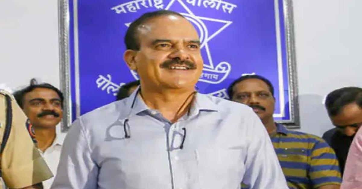 पूर्व पुलिस कमिश्नर परमबीर सिंह पर एक और FIR, IPC की 29 धाराओं के तहत लगाए गए आरोप