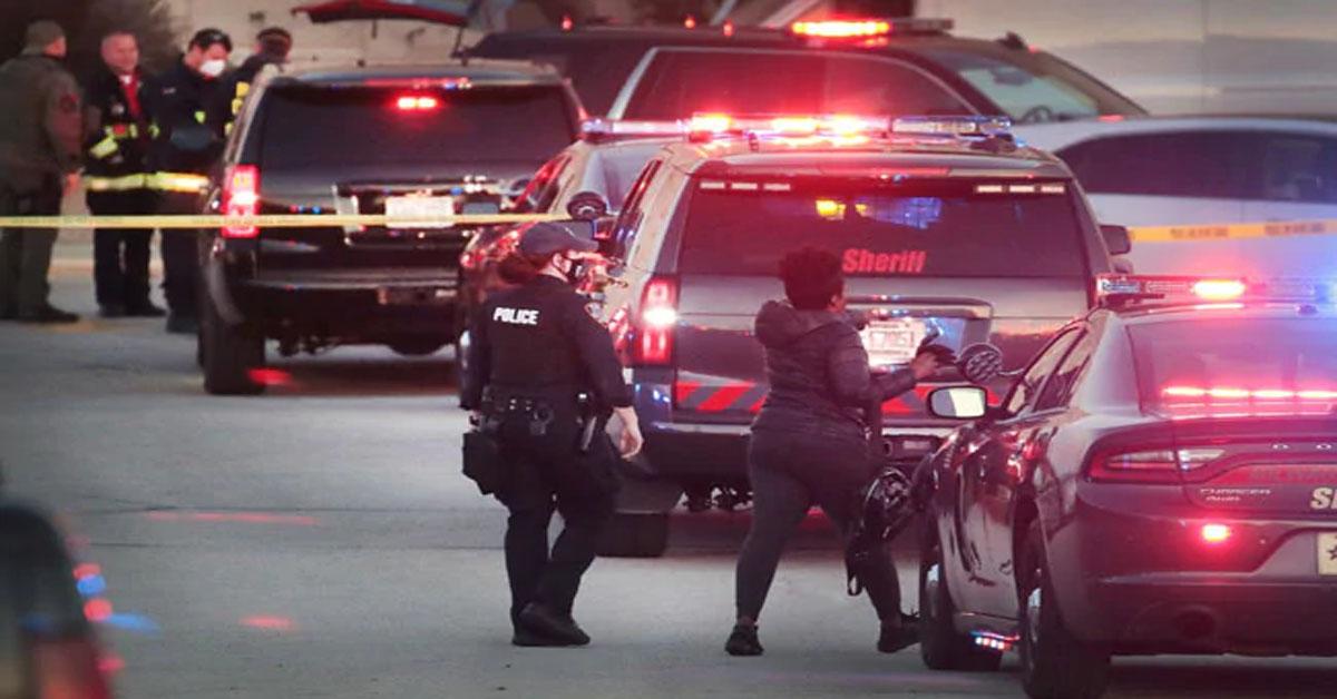 अमेरिका के विस्कॉन्सिन में मॉल के अंदर गोलीबारी  आठ घायल  शूटर की तलाश जारी