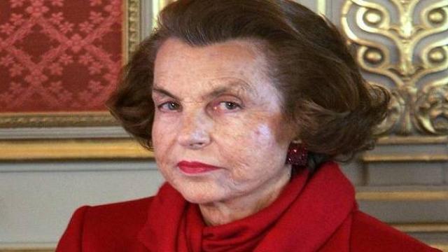 दुनिया की सबसे अमीर महिला का हुआ निधन