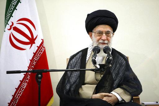 ईरान के शीर्ष नेता 'अयातुल्ला' ने कहा- बिना दिमाग वाले हैं 'ट्रंप'