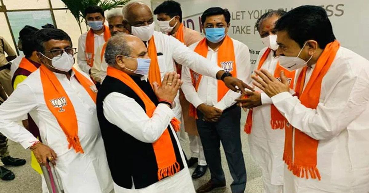 गुजरात : नया मुख्यमंत्री चुनने के लिए आज BJP विधायक दल की बैठक, पार्टी पर्यवेक्षक पहुंचे अहमदाबाद