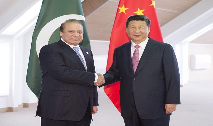भारत-अमेरिका ने पाकिस्तान को फटकारा, 'सदाबहार दोस्त' चीन ने दुलारा