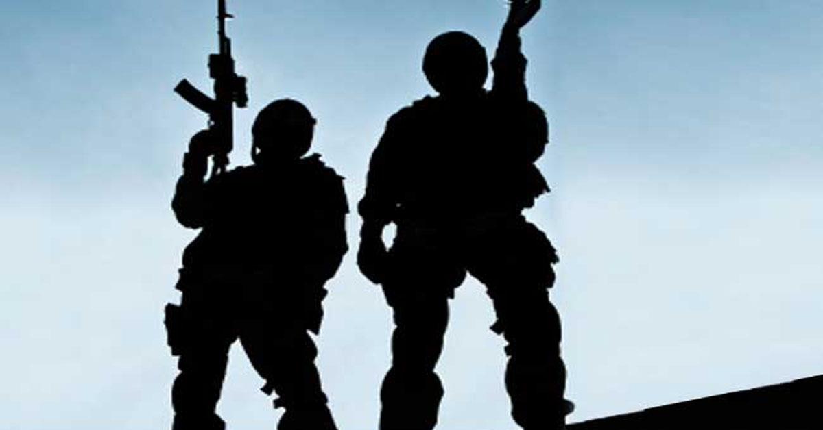 J&K में आतंकियों व उनके मददगारों के खिलाफ सुरक्षाबलों का ऑपरेशन, हाथ लगी बड़ी कामयाबी