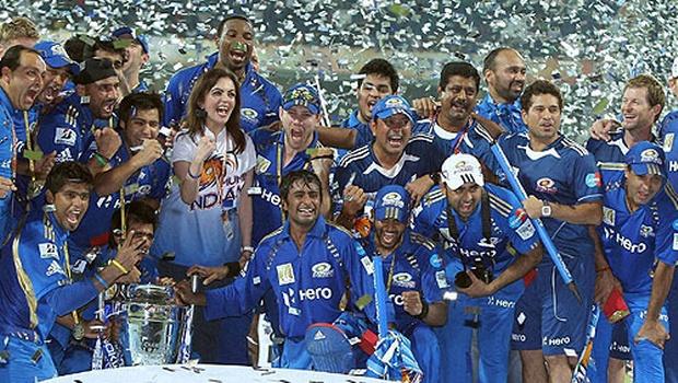 खेल IPL 10: पुणे को 1 रन से हराकर मुंबई इंडियंस बनी चैंपियन, तीसरी बार जीतकर बनाया रिकॉर्ड