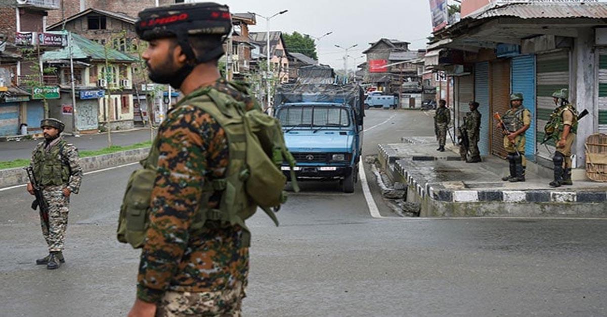 जम्मू एवं कश्मीर के शोपियां में दो लश्कर आतंकी मार गिराए गए
