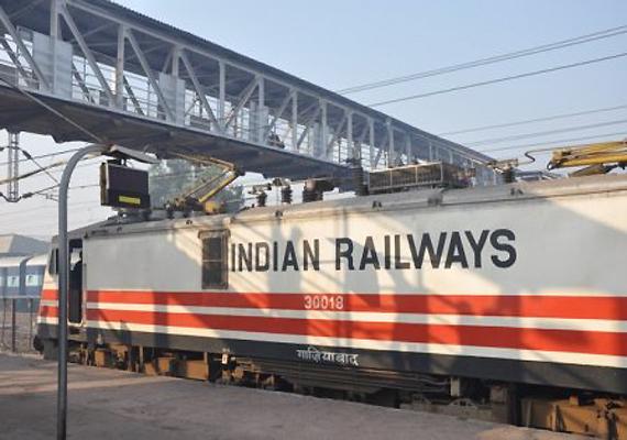 भारतीय रेलवे: त्योहारों के मौसम में लगभग 4 हजार एक्स्ट्रा ट्रेनें चलाने की हो रही तैयारी