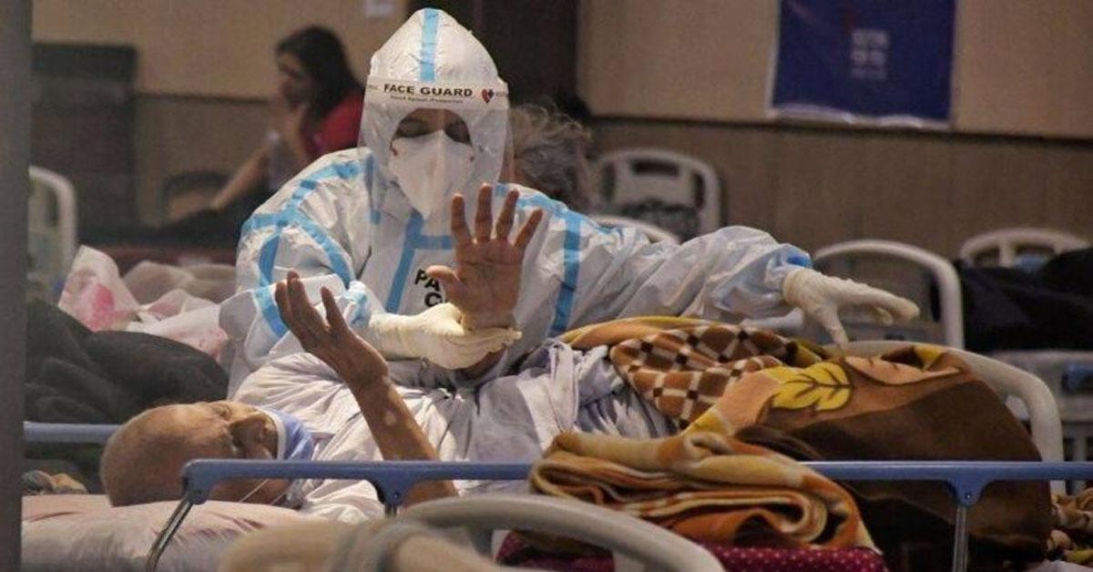 भारत में कोरोना से मौतों का आंकड़ा दो लाख पार, पिछले 24 घंटे में 3,60,960 नए कोविड -19 केस