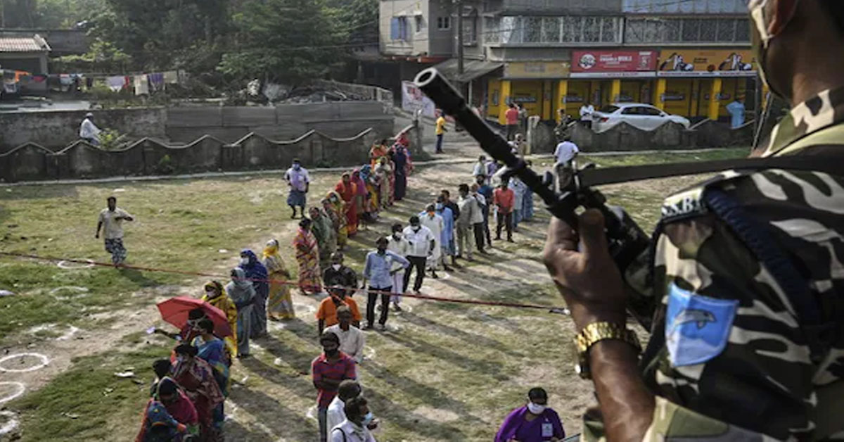 पश्चिम बंगाल : तृणमूल का दावा- चुनावी झड़प में हुई 5 लोगों की मौत, चुनाव आयोग ने मांगी रिपोर्ट