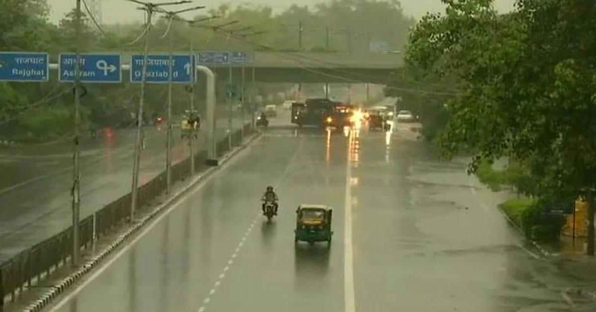 दिल्ली एनसीआऱ के कई इलाकों में भारी बारिश का अलर्ट, मौसम विभाग ने जारी की चेतावनी