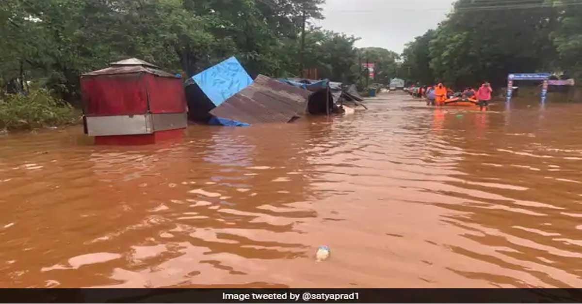 महाराष्ट्र : बाढ़, भूस्खलन से 100 से अधिक लोगों की मौत, 99 लापता, रायगढ़ सबसे ज्यादा प्रभावित