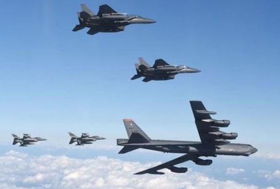 उत्तर कोरिया पर दबाव बनाने के लिए अमेरिका ने उड़ाया बॉम्बर विमान