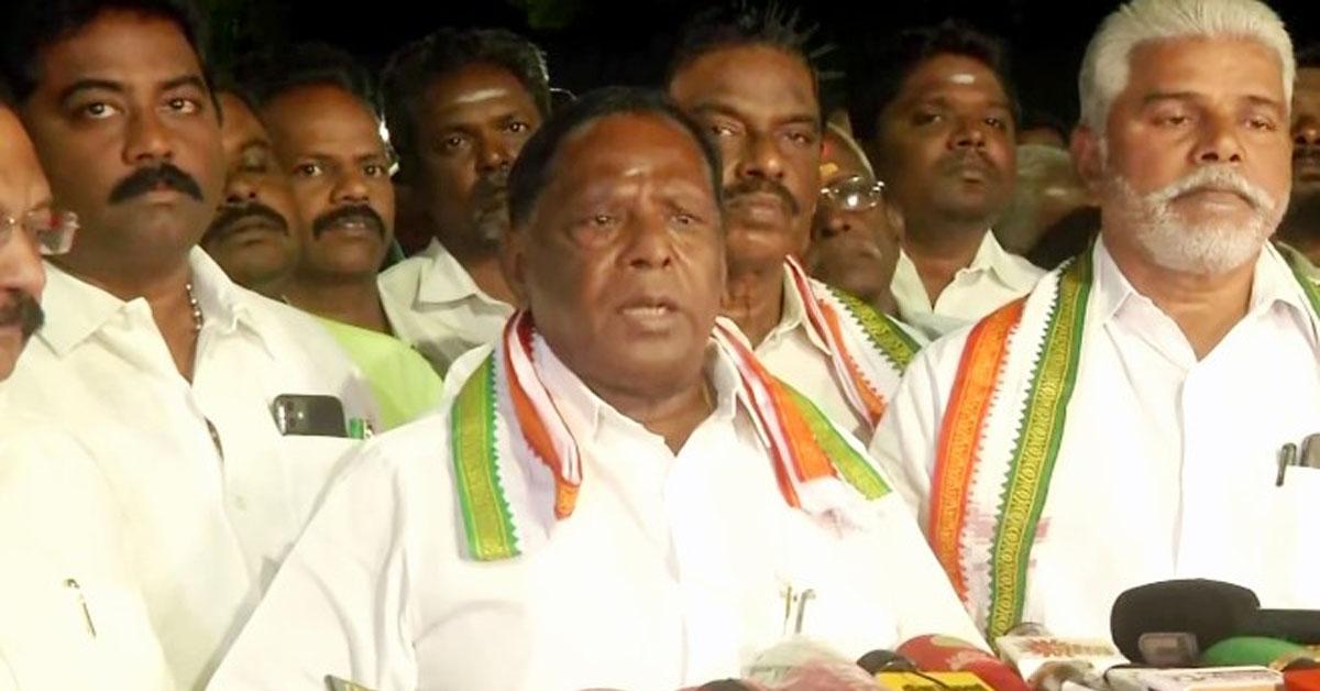 पुडुचेरी: कांग्रेस सरकार की विश्वास मत में हार, मुख्यमंत्री नारायणसामी ने एलजी को इस्तीफा सौंपा