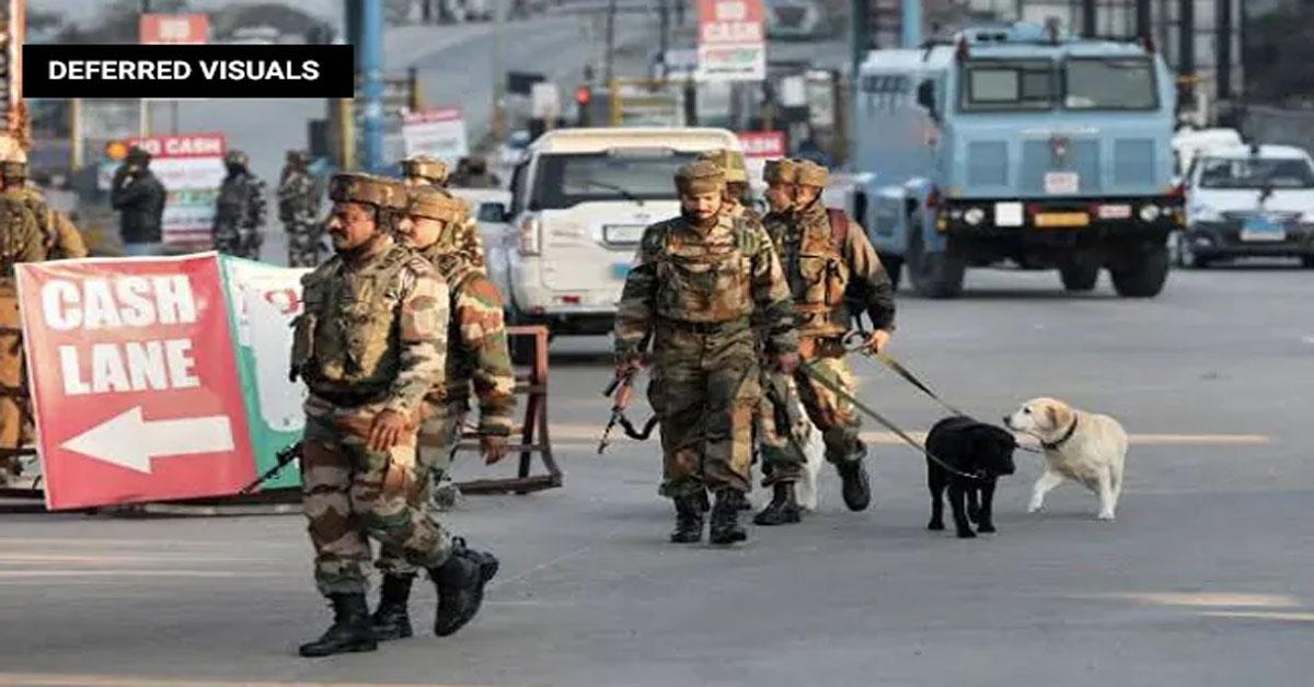 जम्मू-श्रीनगर हाईवे पर सुरक्षाबलों ने 4 संदिग्ध जैश आतंकियों को मार गिराया