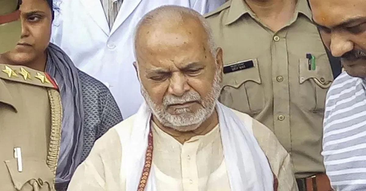 पूर्व केंद्रीय मंत्री चिन्मयानंद पर रेप का आरोप लगाने वाली लॉ छात्रा कोर्ट में बयान से मुकरी